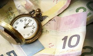 Canadians worry about outliving retirement savings: surveys