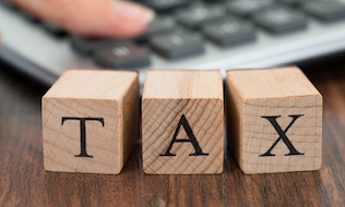 Feds should apply logic of taxing employee discounts to public service pensions