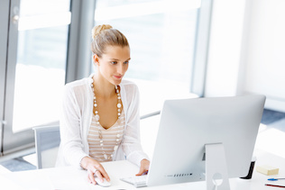 Men offered flexible working options more often than women: survey