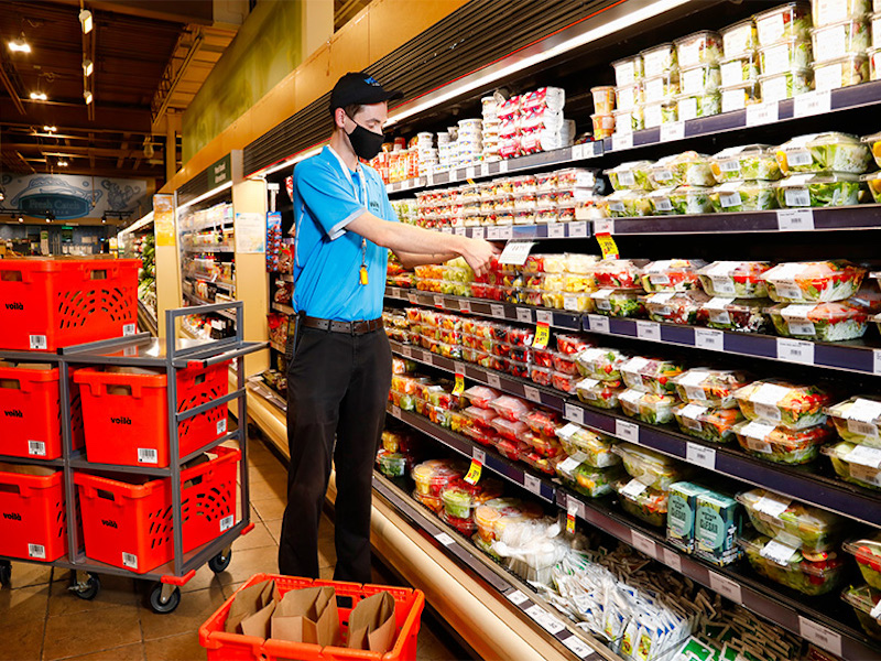 Sobeys bringing back pay premiums, LifeLabs giving hero recognition bonuses