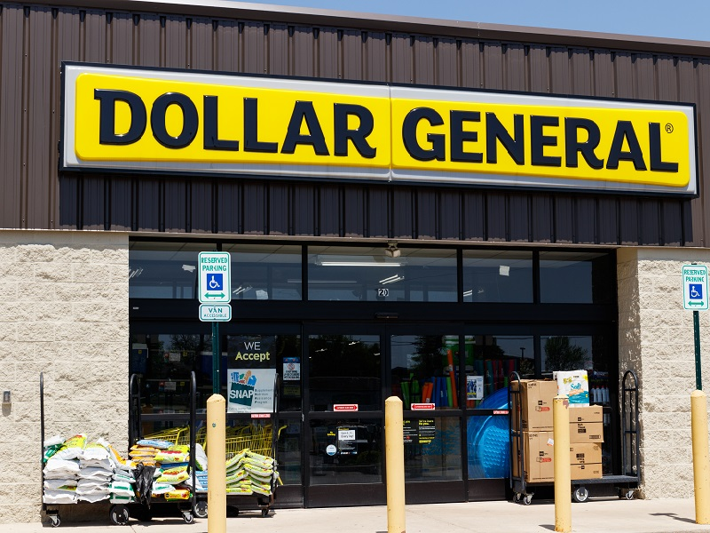 Dollar General, other U.S. companies, paying employees to get coronavirus vaccinations